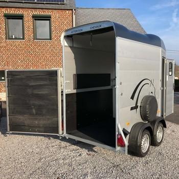 CHEVAL LIBERTE Van 1 cheval et demi Touring ONE sortie avant