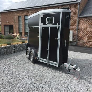 IFOR WILLIAMS Van 1 cheval 1/2 HB403